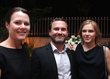 Martin Nietz with Anna Musiej Aanensen, Senior Vice President – Lending Oil & Gas, to the right) and Marie Sørli, Senior Transactions Manager – Lending (to the left).