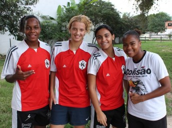 """We love to play football and we play out of love. Girl football is love. If not, many of us would have given up a long time ago"", the girls say. From the right: Debora Oliveira, Yasmim Nogueira, Letícia Rimes and Claudia Ambrósio."